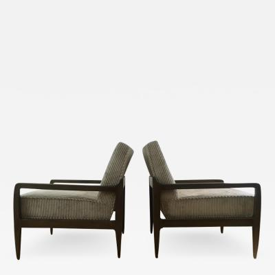 T H Robsjohn Gibbings Pair T H Robsjohn Gibbings Style Hand Grained Walnut Lounge Chairs