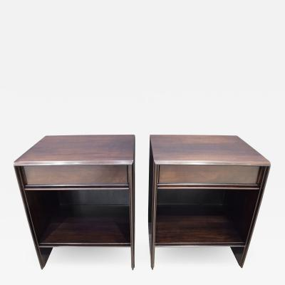 T H Robsjohn Gibbings T H Robsjohn Gibbings Pair of Bedside Tables in Walnut 1950s Signed