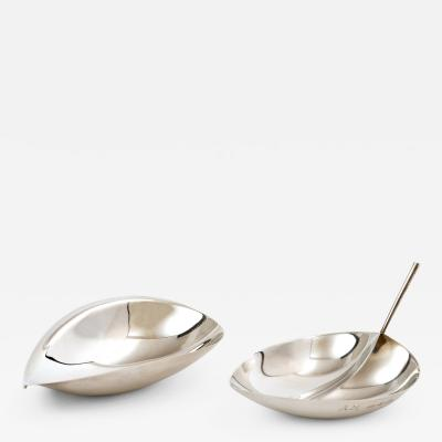 Tapio Wirkkala Tapio Wirkkala Pair of Leaf Dishes in Silver for Kultakeskus Oy 1959 1960