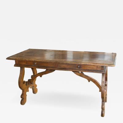 Tuscan wirting table Circa 1740