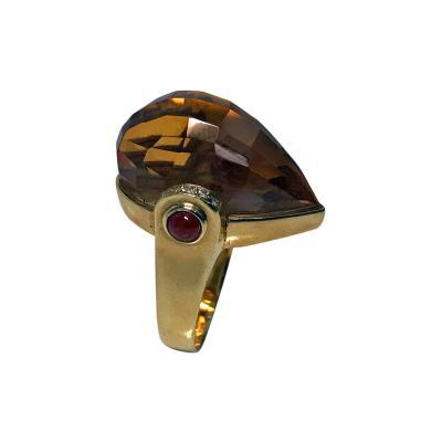 Unique 18K Bird Head Ring 20th Century