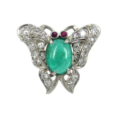 VINTAGE 18KT WHITE GOLD DIAMOND AND EMERALD BUTTERFLY PIN