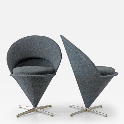 Verner Panton 2 Cone Chairs
