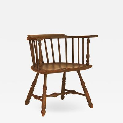 Very fine Low Back Windsor Arm Chair