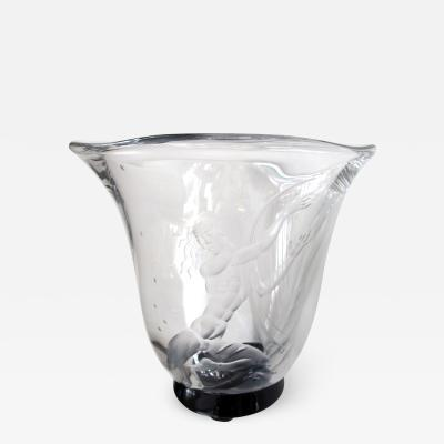 Vicke Lindstrand A Swedish art deco etched glass vase by Vicke Lindstrand for Orrefors