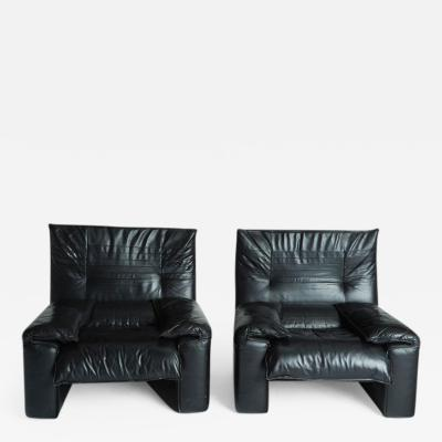 Vico Magistretti Maralunga Style Black Leather Armchairs with Adjustable Headrests