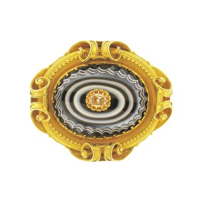 Victorian Banded Agate and Gold Brooch