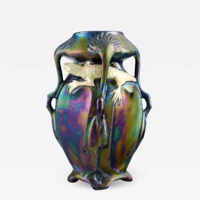Vilmos Zsolnay Rare art nouveau vase on feet in eozin glaze with salamander