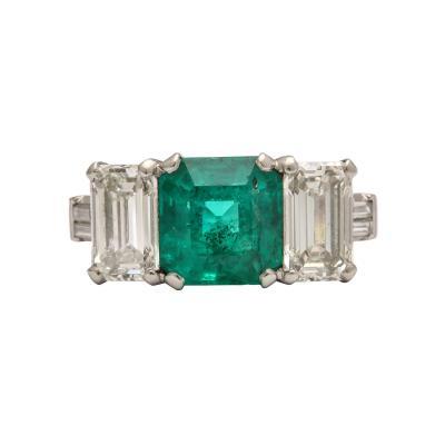 Vintage Art Deco Emerald and Diamond Platinum Ring