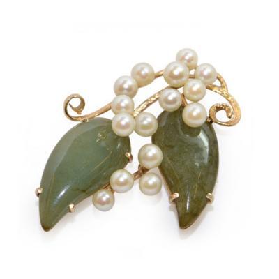 Vintage Jade and Pearls 14Ct Gold Brooch