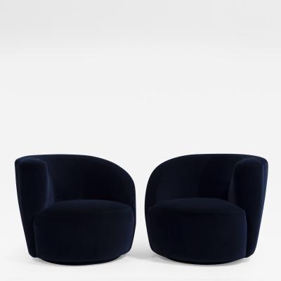 Vladimir Kagan A Pair of Vladimir Kagan designed Nautilus Swivel Chairs 1990s