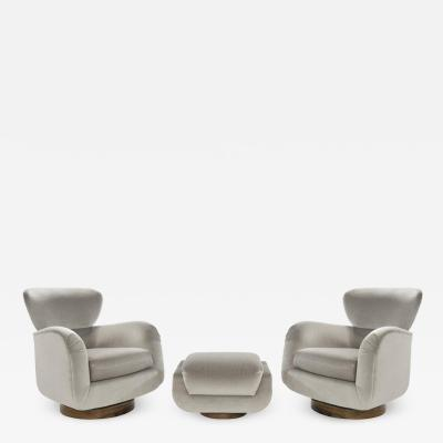 Vladimir Kagan Exceptional Set of Wingback Swivel Chairs on Rosewood by Vladimir Kagan