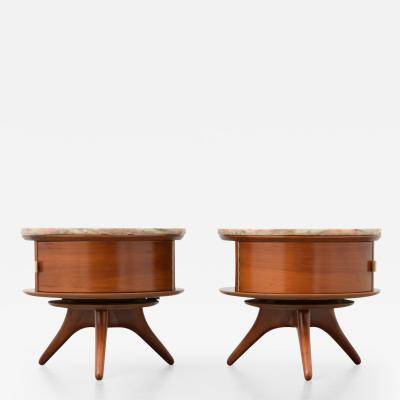 Vladimir Kagan Pair of Rare and Early Vladimir Kagan 3421 Nightstands or End Tables