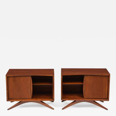 Vladimir Kagan Vladimir Kagan Nightstands for Grosfeld House