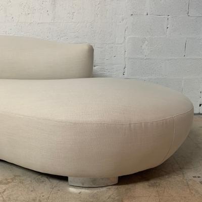 Vladimir Kagan Vladimir Kagan Oyster Linen Serpentine Cloud Chaise Lounge Sofa USA 1970s