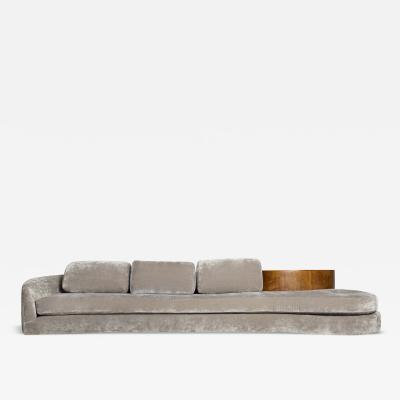 Vladimir Kagan Vladimir Kagan Serpentine Sofa with Demi Lune Table USA 1970s