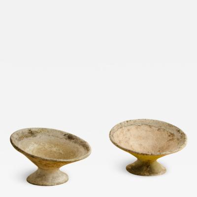 Willy Guhl A pair of Willy Guhl disc form planters circa 1970