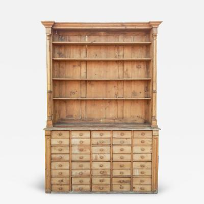 Wonderful Pine Hutch