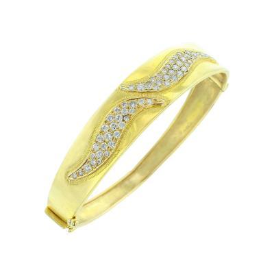 YELLOW GOLD AND DIAMOND DOUBLE SWERVE BANGLE BRACELET