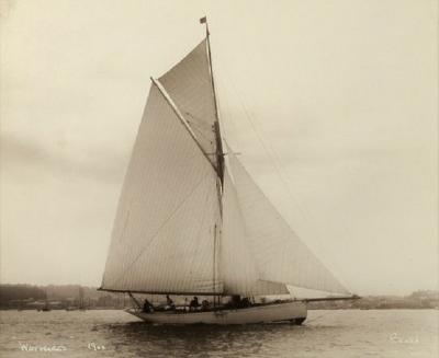 Yacht Wayward early silver gelatin photographic print by Beken of Cowes
