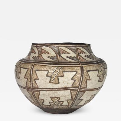 Zuni four color jar with hatched design