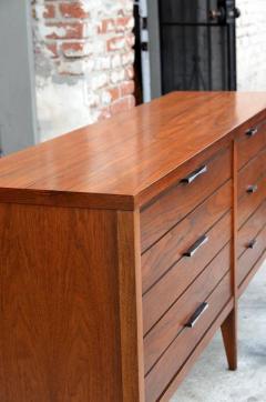 Altavista Lane Pristine Polished Walnut Dresser by Lane - 874896