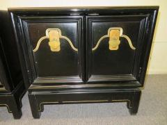 American of Martinsville Pair of Chinoiserie Style Asian Modern Lacquered Nightstands Mid Century - 1629532