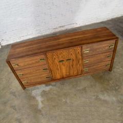 Bassett Furniture Bassett modern credenza buffet dresser in medium tone finish - 1938929