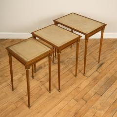 COMTE A nest of three mahogany tables attributed to Comte Circa 1940 - 2107590