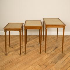 COMTE A nest of three mahogany tables attributed to Comte Circa 1940 - 2107592