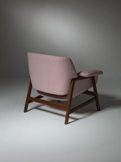 Cassina Pair of Armchairs by Gianfranco Frattini for Cassina - 1392793