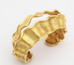 Chanel Chanel Chanel Vintage 18 kt Gold Cuff - 501764