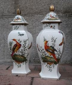 Chelsea A pair of signed porcelain vases by Chelsea England XIIIth century - 763955
