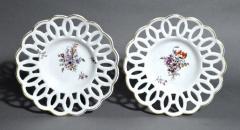 Chelsea Porcelain Manufactory Antique English Porcelain Botanical Chelsea Latticed Circular Dishes - 1778866