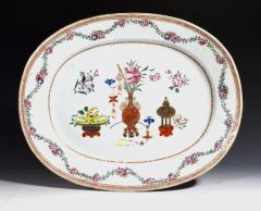 Chinese Porcelain Chinese Export Oval Porcelain Famille Rose Dish Painted With Precious Objects - 1618595