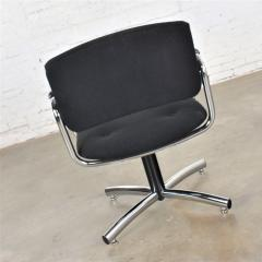 Delwood Furniture Co Vintage modern chrome black office armchair 4 prong base style steelcase - 1588700