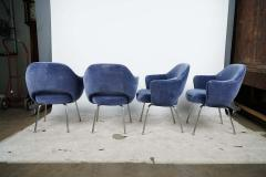 Design Fr res Set of 4 Gorgeous Velvet Upholstered Eero Saarinen Chairs - 1713891