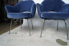 Design Fr res Set of 4 Gorgeous Velvet Upholstered Eero Saarinen Chairs - 1713892