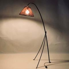 Design Fr res Slender Wrought Iron and Rattan Floor Lamp - 1667527