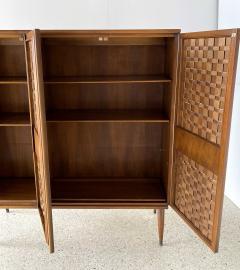 Dunbar American Modern Woven Front 3 Door Cabinet Cabinet Dunbar - 1702429