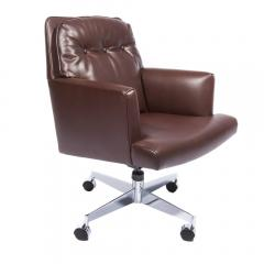Dunbar Leather and Chrome Executive Swivel Chair by Dunbar Circa 1960s - 475207