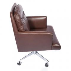 Dunbar Leather and Chrome Executive Swivel Chair by Dunbar Circa 1960s - 475208