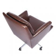 Dunbar Leather and Chrome Executive Swivel Chair by Dunbar Circa 1960s - 475210