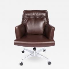 Dunbar Leather and Chrome Executive Swivel Chair by Dunbar Circa 1960s - 475525