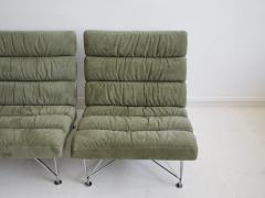 Dux Pair of Green Lounge Chairs by DUX Design Team - 1190801
