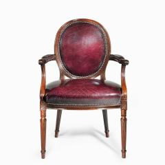 Gill Reigate Two Edwardian mahogany chairs by Gill Reigate - 2052970