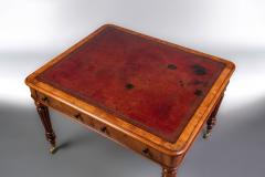 Gillows of Lancaster London Gillows A Very Good Quality William IV Walnut Writing Table - 752886
