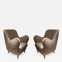 ISA A pair of armchairs by ISA Italy 50 - 770518