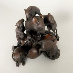 Itsumin An antique Bronze Okimono of a family of rats devouring a pomegranate - 1585339