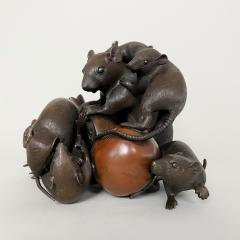 Itsumin An antique Bronze Okimono of a family of rats devouring a pomegranate - 1585340